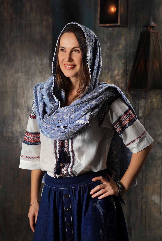 Church scarf