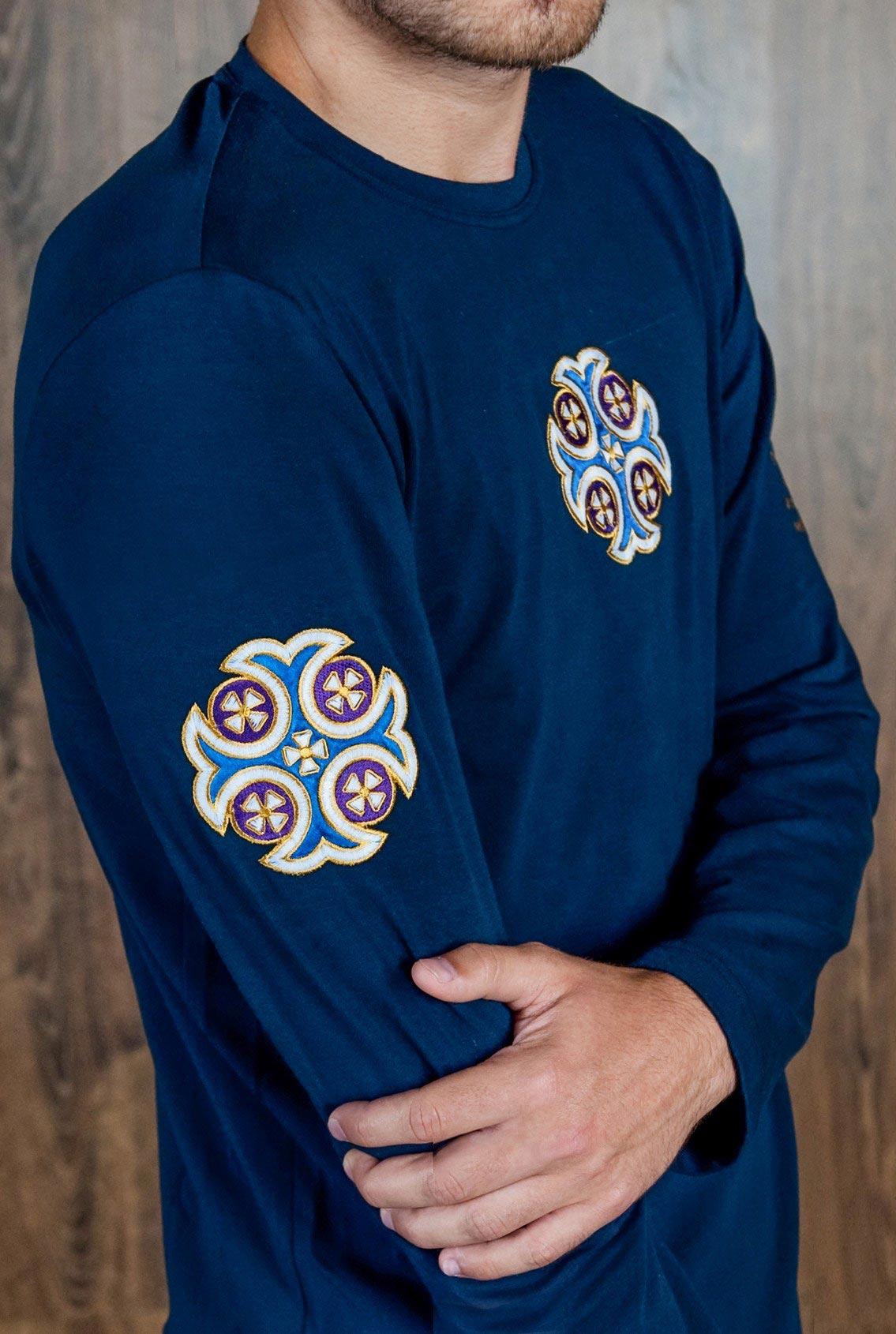 футболка с большим синим крестом, T-shirt with big blue cross