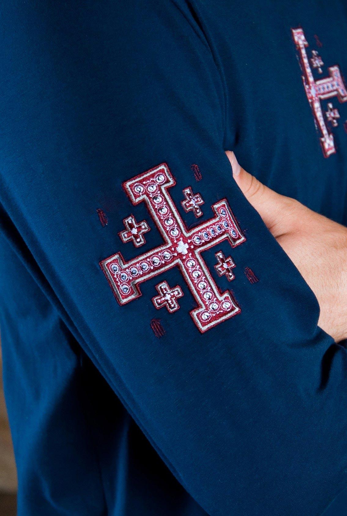 футболка с большим красным крестом, T-shirt with big red cross