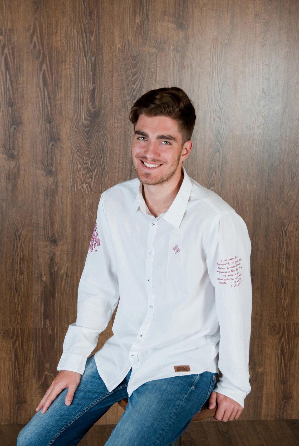 белая рубашка с красным крестом, white shirt with a red cross