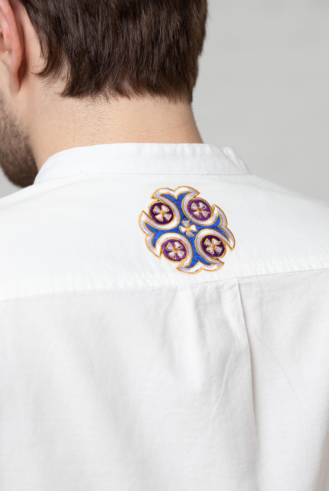 Рубашка с христианской символикой
