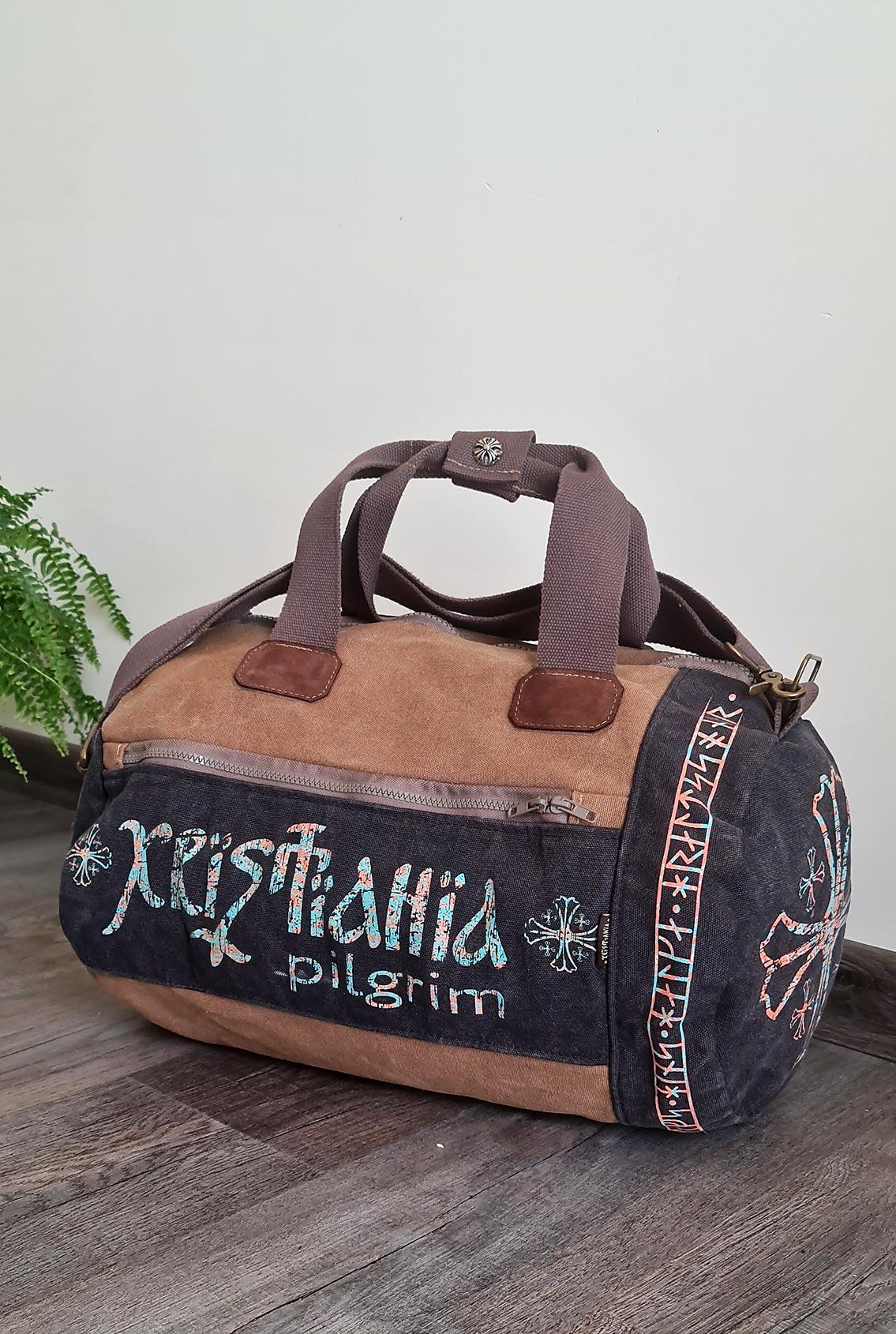 спортивная сумка с рунами